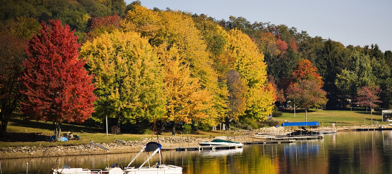 boat in Deep Creek Lake at Wisp resort in Maryland